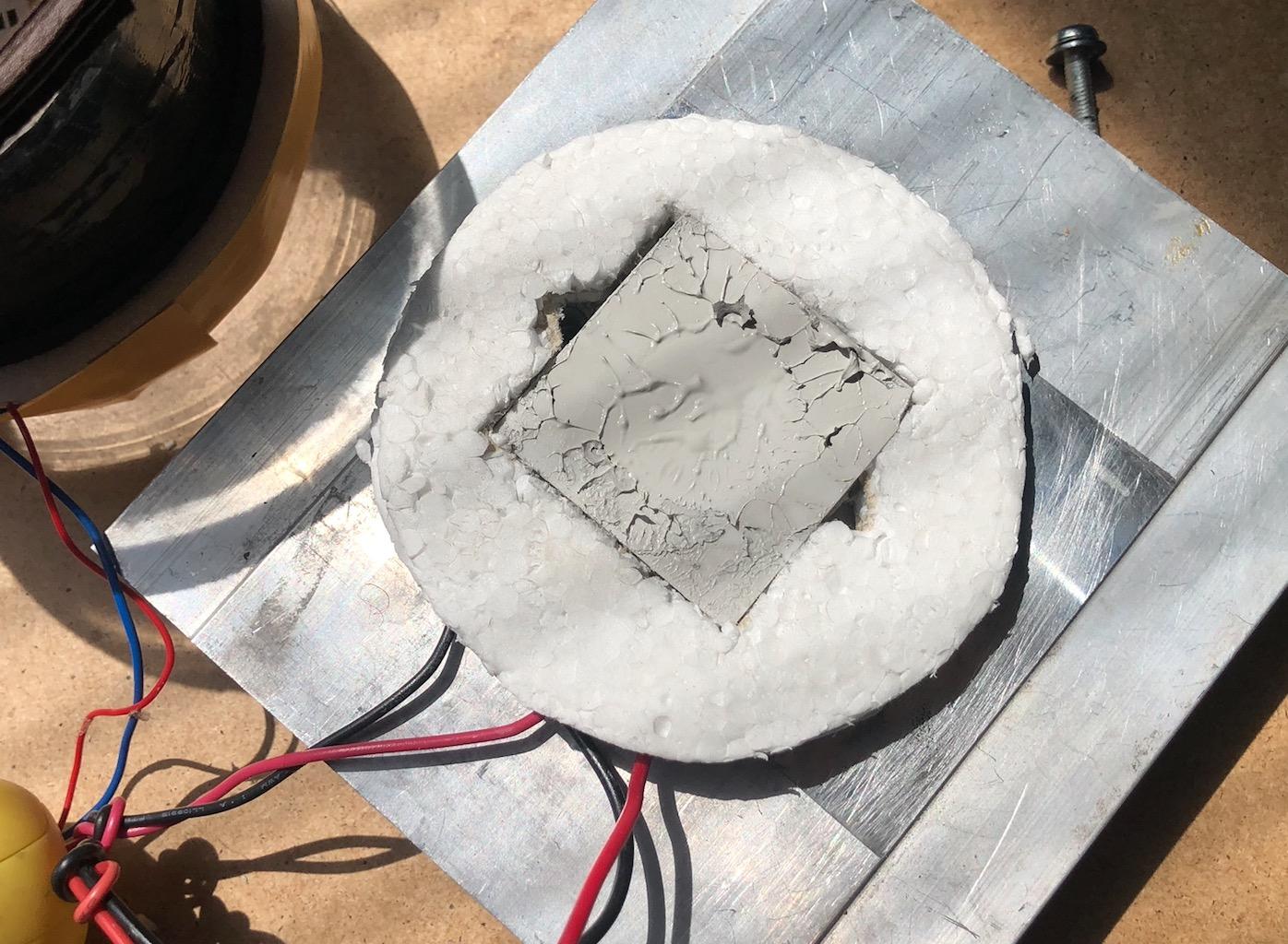 Voir la radioactivité : Fabriquez une Chambre à Brouillard Captu431