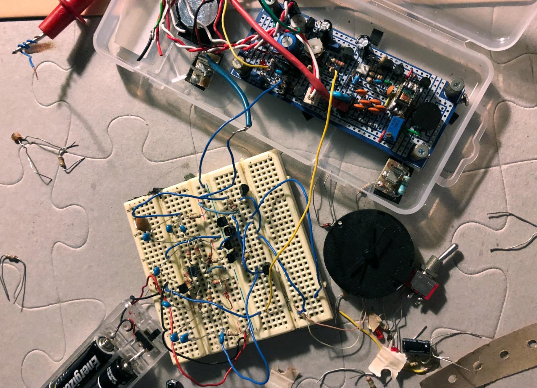 Un projet de compteur geiger à transistors - Page 2 Captu520