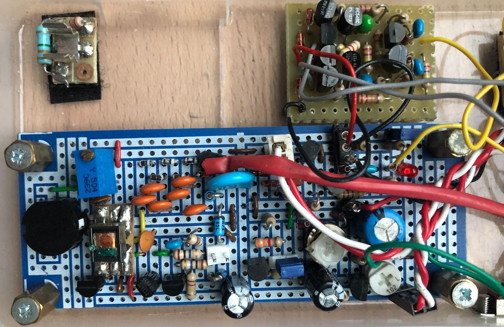 Un projet de compteur geiger à transistors - Page 2 Captu522