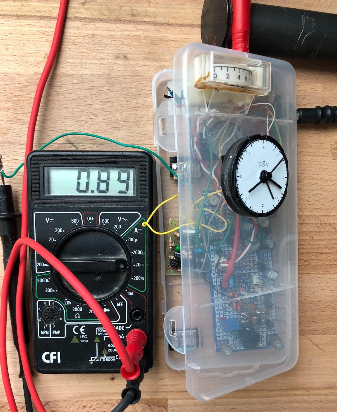 Un projet de compteur geiger à transistors - Page 2 Captu528
