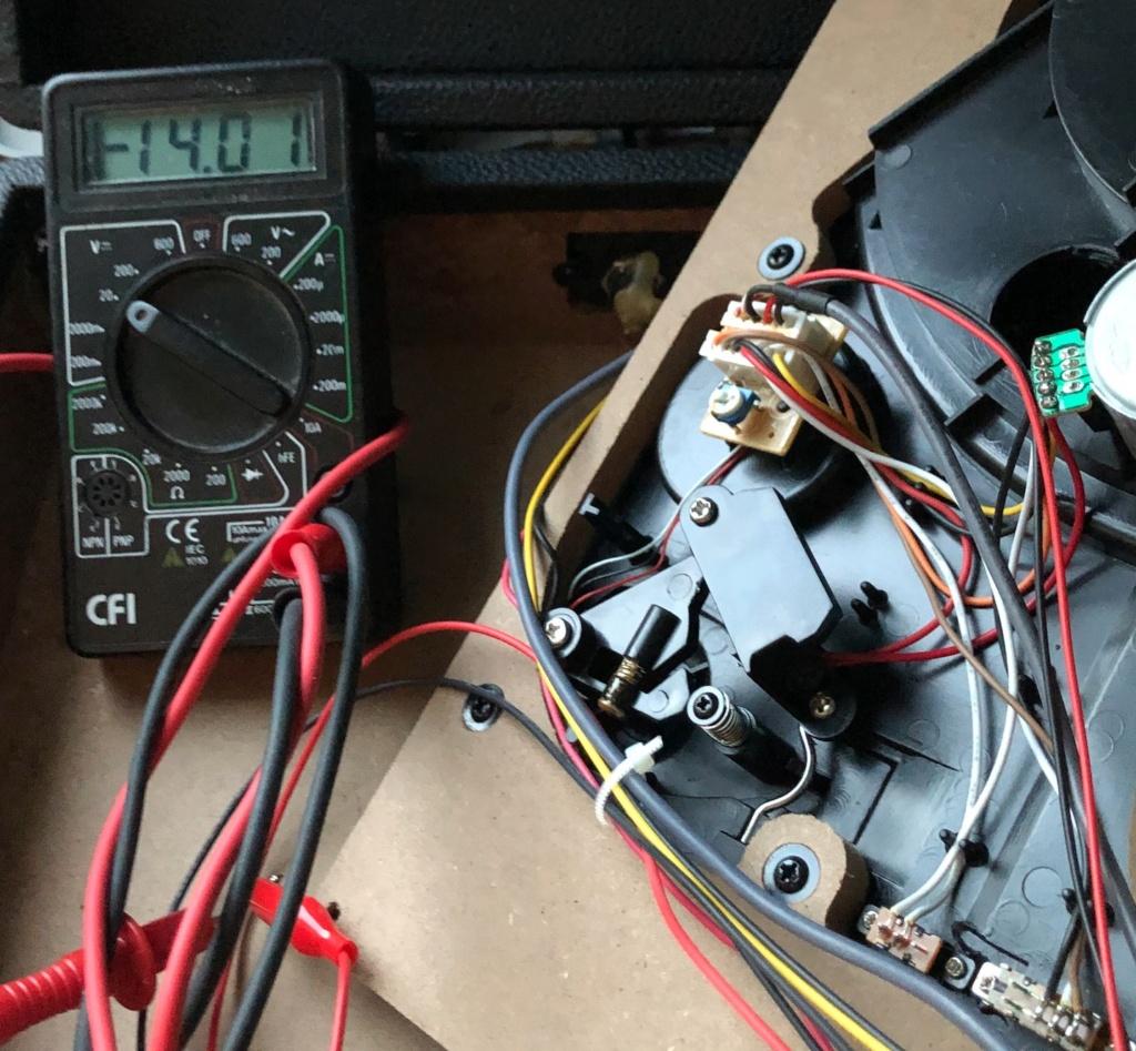 Mise en pratique et échanges autour de la réparation électronique : le Repair Café - Page 2 Captu745