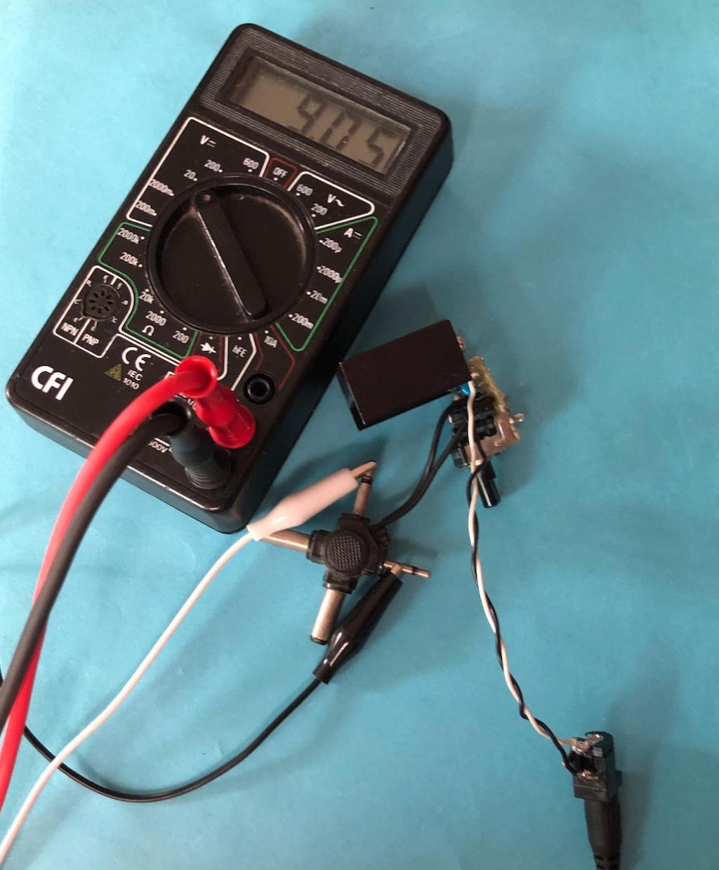 Mise en pratique et échanges autour de la réparation électronique : le Repair Café - Page 2 Captu746