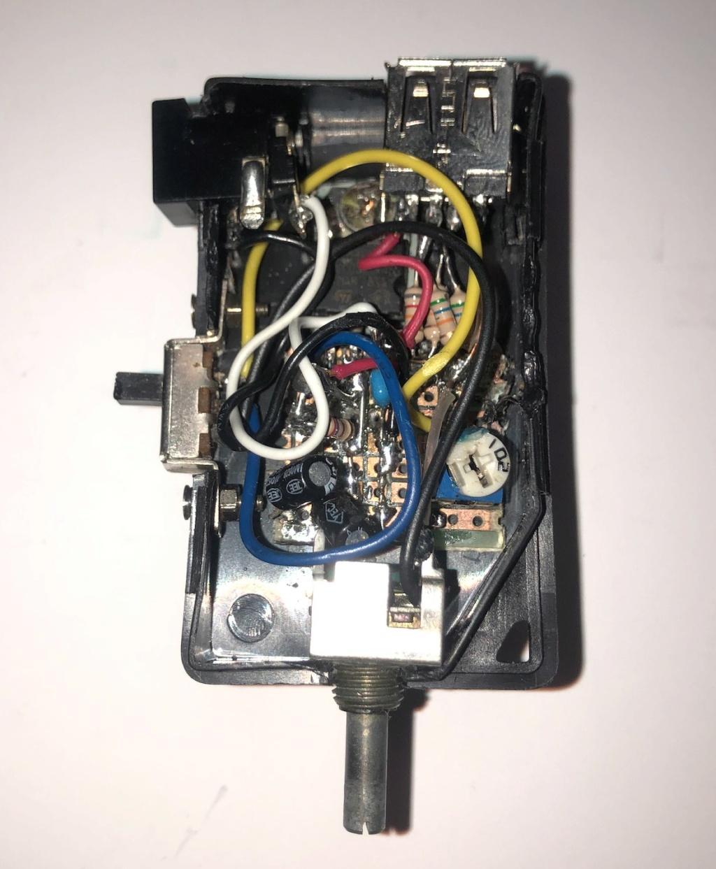 Mise en pratique et échanges autour de la réparation électronique : le Repair Café - Page 2 Captu761