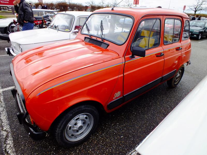 """La Renault R4 dit aussi """""""" Quatrelle """""""" Dscf0013"""