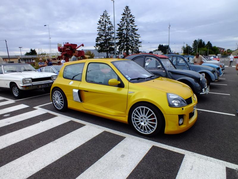 Cette rare voiture française est à vendre au Québec Dscf0116