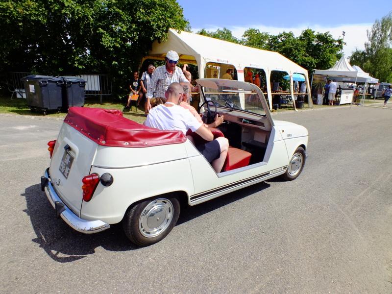 """La Renault R4 dit aussi """""""" Quatrelle """""""" Dscf0715"""