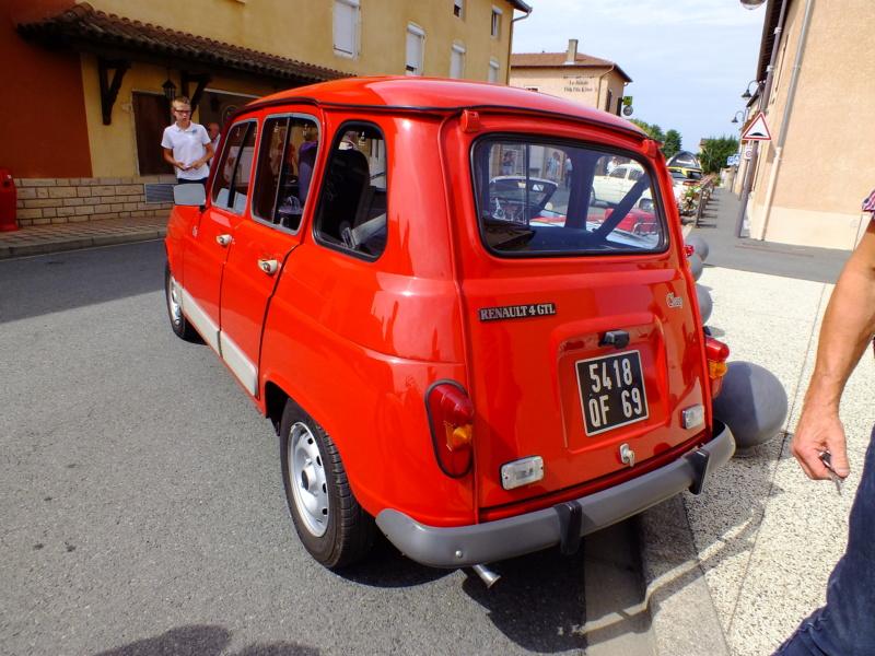 """La Renault R4 dit aussi """""""" Quatrelle """""""" Dscf1113"""
