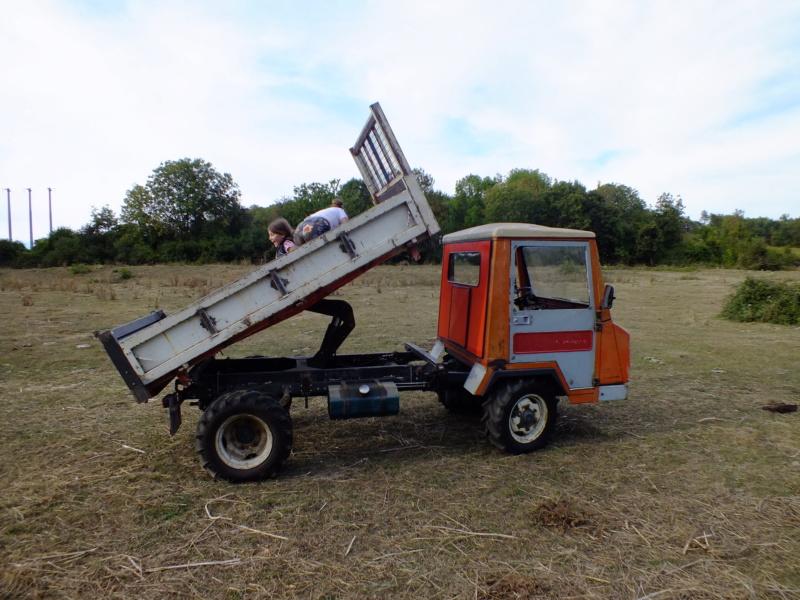 la Marque REFORM - Tracteur routier et materiel agricole  Dscf1321