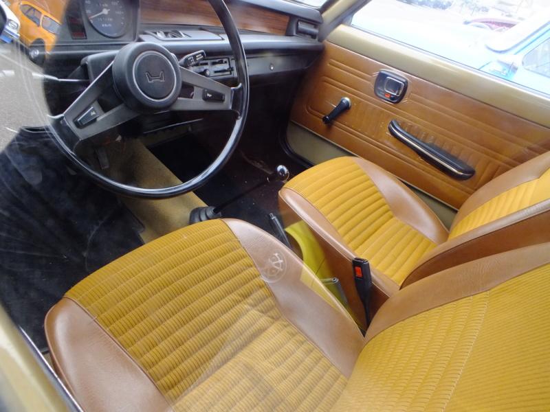 Enfin j'en ai une .. Honda CIVIC SB1 de 1977 1ère génération Dscf1532