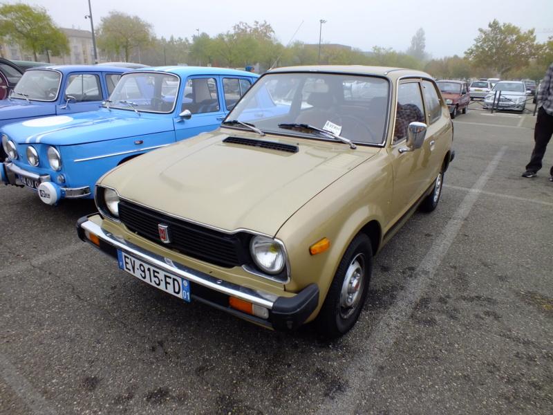 Enfin j'en ai une .. Honda CIVIC SB1 de 1977 1ère génération Dscf1533
