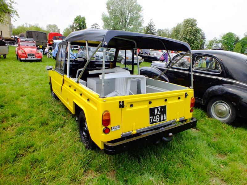 """La Renault R4 dit aussi """""""" Quatrelle """""""" Dscf8112"""