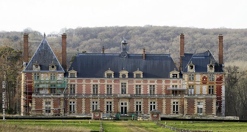 Le château du Duc et de la Duchesse de Berry à Rosny-sur-Seine 24127110