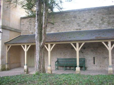 La Cour de la maison du Suisse au Petit Trianon 62159310