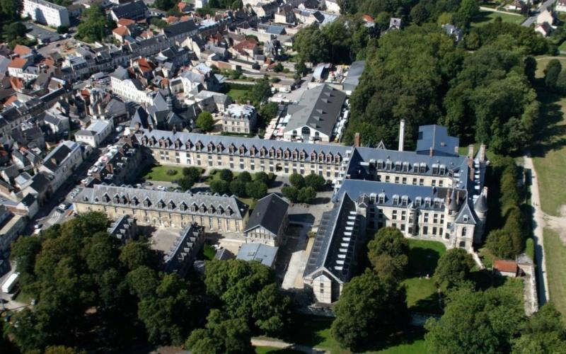 Le château de Philippe Egalité à Villers-Cotterêts 76180010