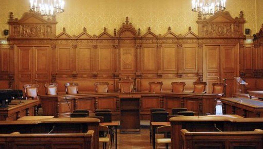 Le palais de Justice de L'île de la Cité, Paris, et la salle du Tribunal révolutionnaire Image10