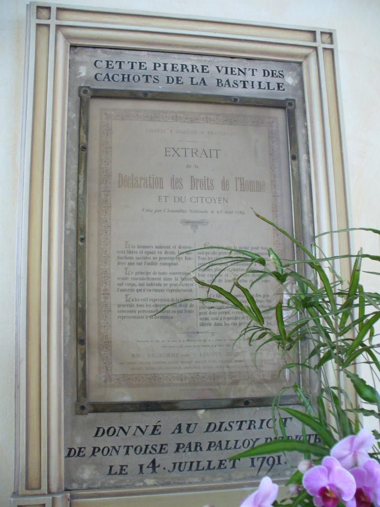La prison forteresse de la Bastille et sa démolition - Page 3 Pierre11