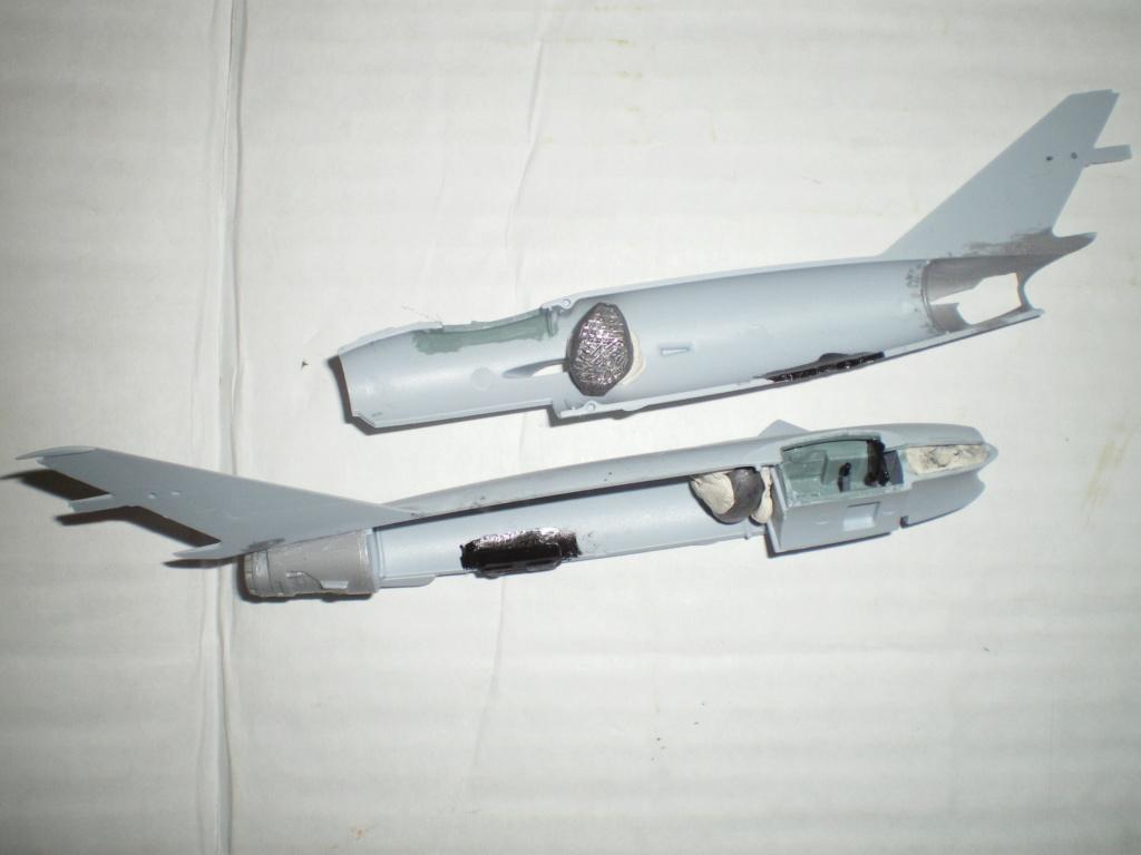 [Airfix] Mig 17F / Mongolie 1966 / FINI Imgp0653