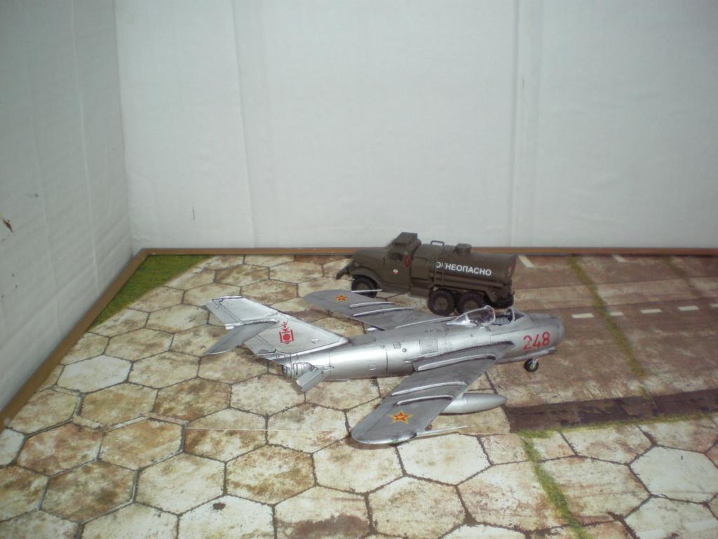 [Airfix] Mig 17F / Mongolie 1966 / FINI Imgp0664