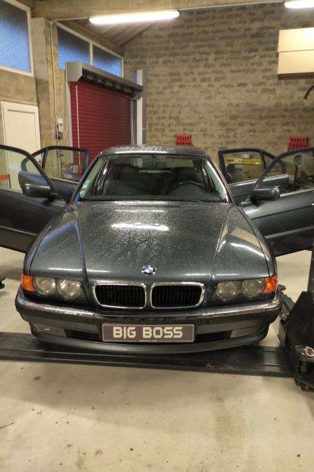 BMW 735 ia de 05/99 - Page 6 Img_2030