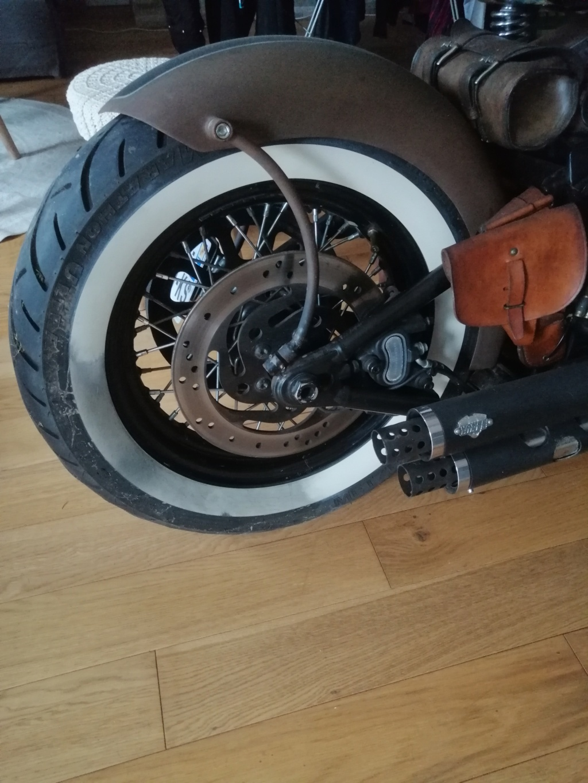 nettoyage des pneu a flanc blanc - Page 3 Img_2013