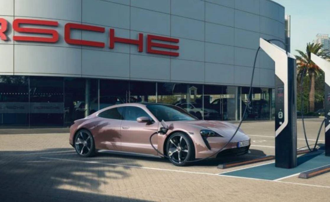 Porsche Taycan à moins de 90000 € 2021-011