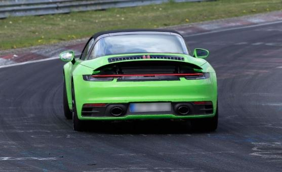 Porsche 992 Targa 4captu11