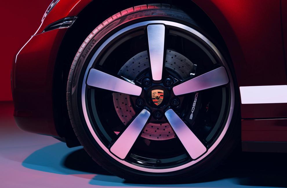 Porsche 911 Targa 4S Heritage Design Edition 5ed60215
