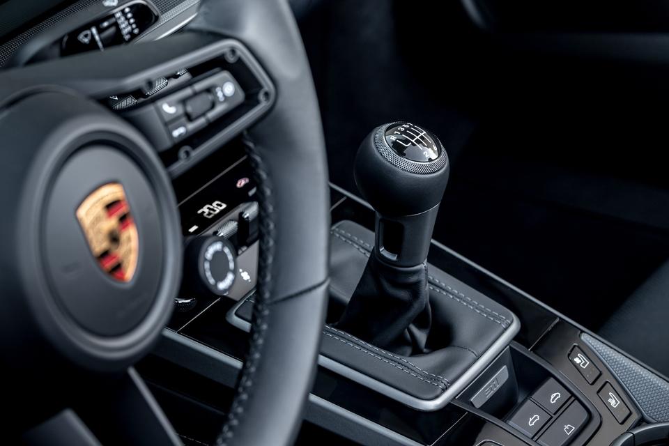 Boîte manuelle à 7 rapports sur la Porsche 911 811