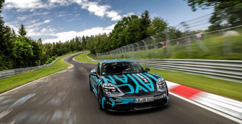 Porsche Taycan sur le Nürburgring-Nordschleife Captur24