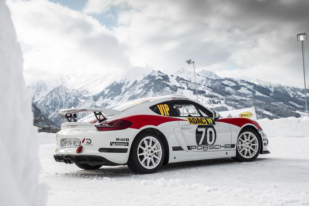 Porsche Cayman GT4 Rallye Concept M19-0110