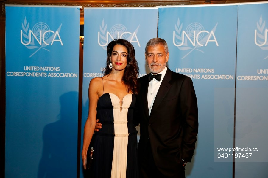 Clooney family at UN for Amal award Profim10