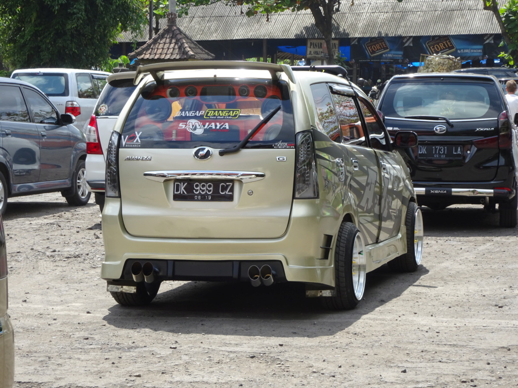 Insolite vu à Bali Dsc00811