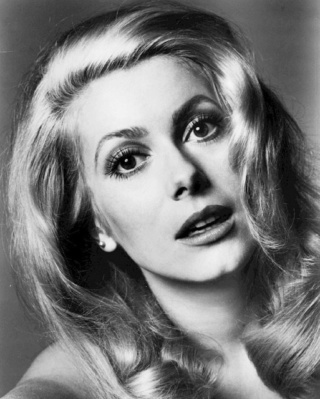 die Grande Dame des französischen Films ist 75 geworden 38064510