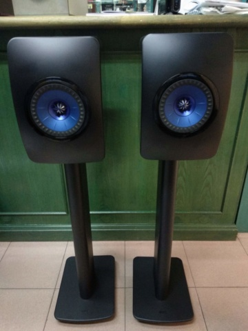 Kef LS50 Wireless with Original Stand (Used) Img_2027