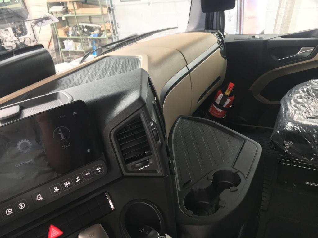 Mercedes Actros MP 5 (sans rétroviseurs) C3714010