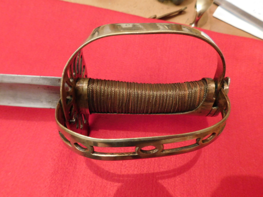 un sabre à garde tournante Dscn8310