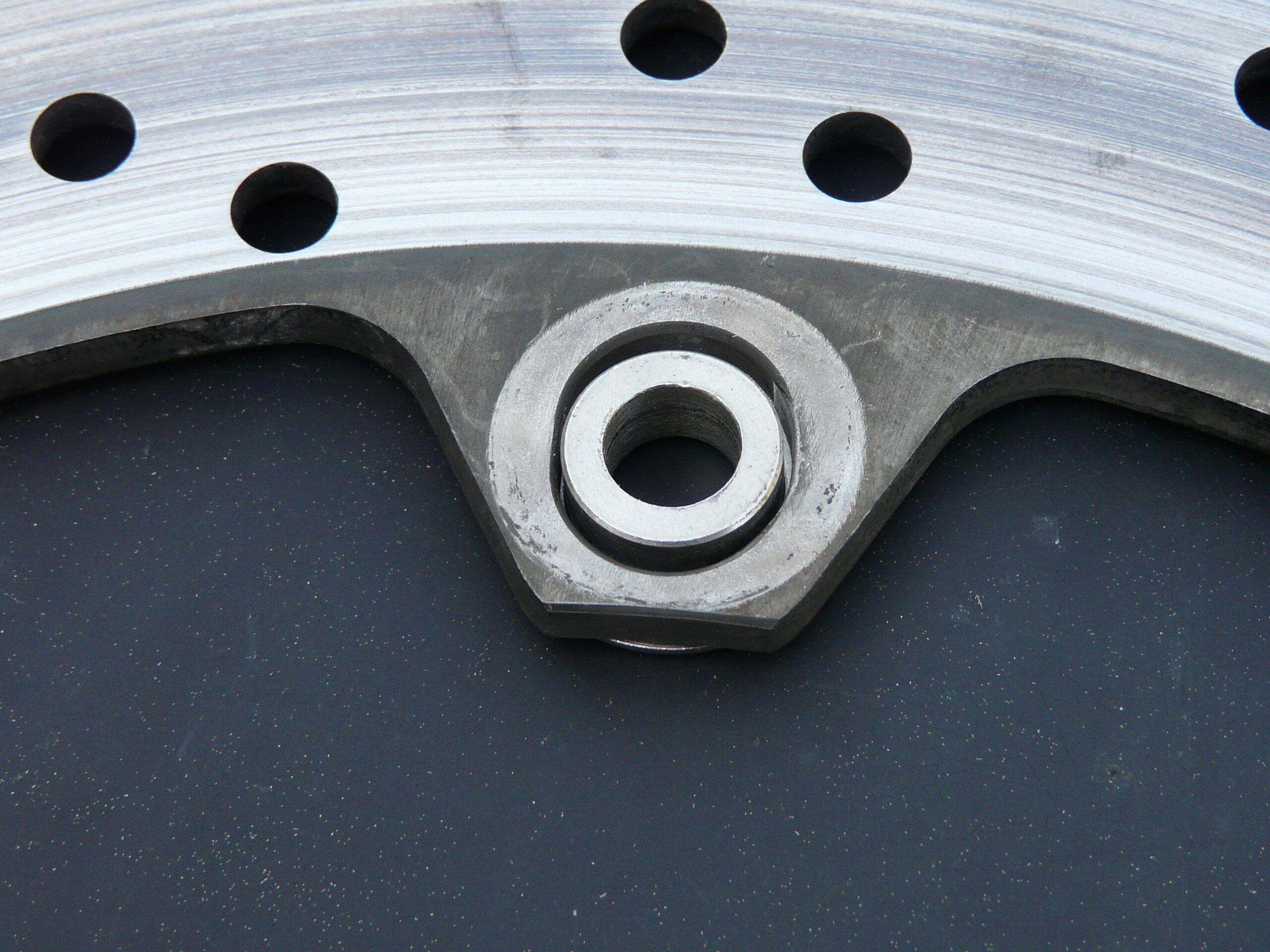 [Résolu] Disque de frein qui bouge P1120411