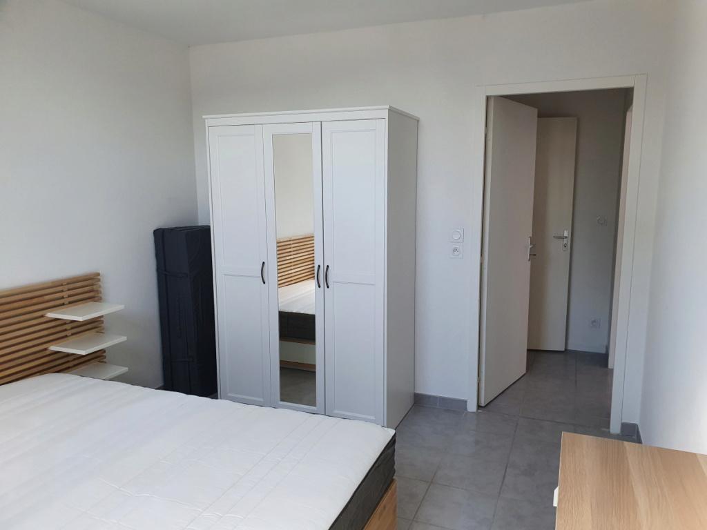Rénovation cuisine / optimisation cellier dans un appart T2 + décoration Chambr11