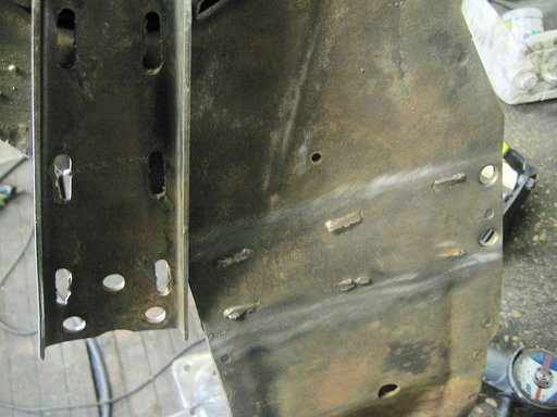 Corvette 1977 à boite man 4 vit. / traverse de soutien de la boite de vitesse - Page 2 Sq4m8u10