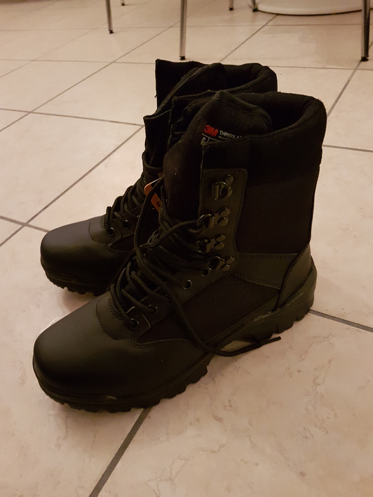 Chaussures miltec swat boots neuves taille 42 20181210
