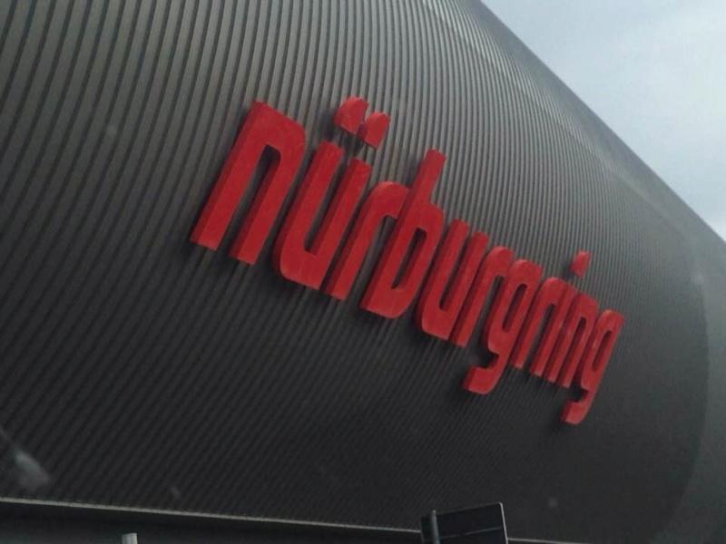 et bien... J'AI  A D O R E  (Nurburgring) 41409111