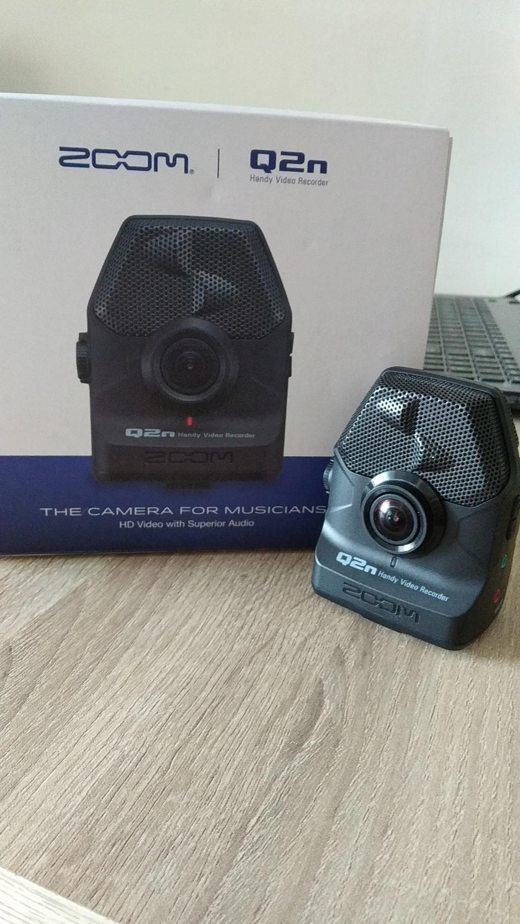 Zoom q2N handy video recorder Img_2017