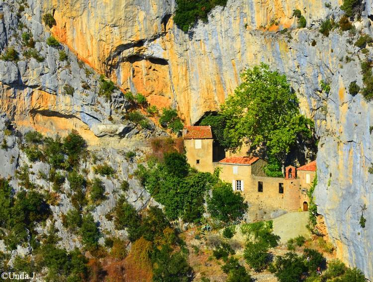 Les Gorges de Galamus  Ermita10