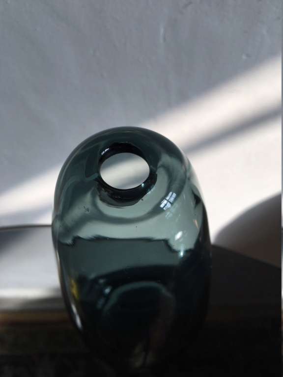 Who designed this vase? Img_6011