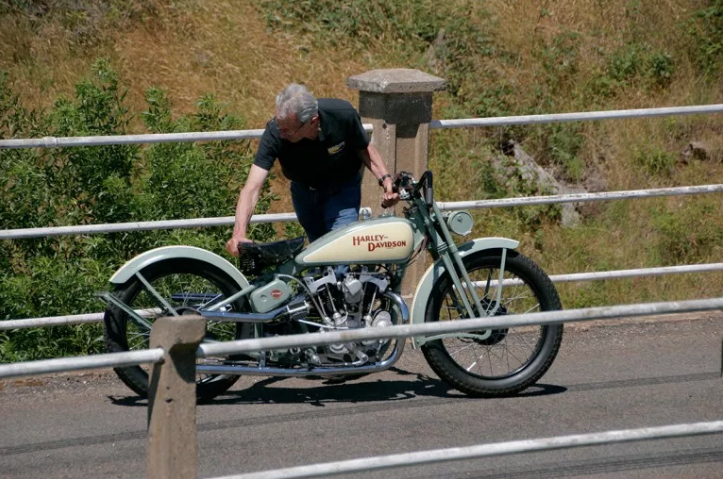 Les vieilles Harley Only (ante 84) du Forum Passion-Harley - Page 6 Capt2524