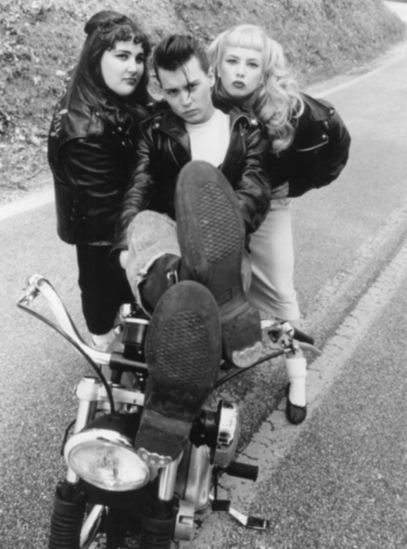 Ils ont posé avec une Harley, uniquement les People - Page 5 Capt3866