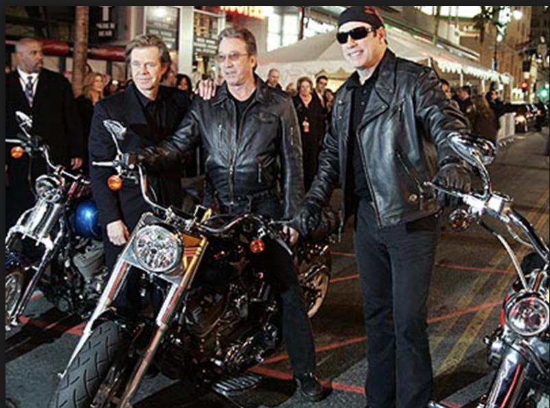 Ils ont posé avec une Harley, uniquement les People - Page 21 Captur14