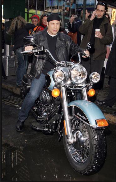 Ils ont posé avec une Harley, uniquement les People - Page 21 Captur15