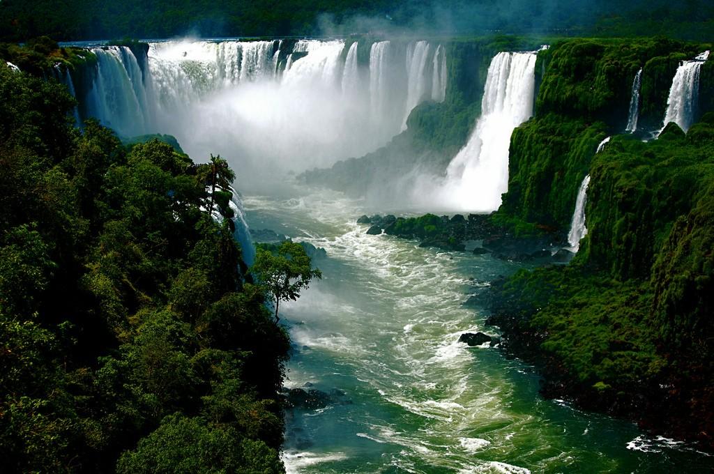 Самые опасные водопады мира Aaa10