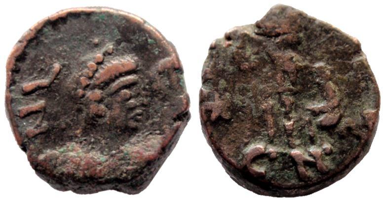 Nummus de León I. Emperador y cautivo. Constantinopla Leo_i_10